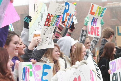 Westboro Church protesters meet peaceful opposition at Clayton High School