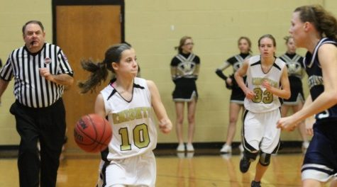 JV Girls Basketball Loses to Parkway North
