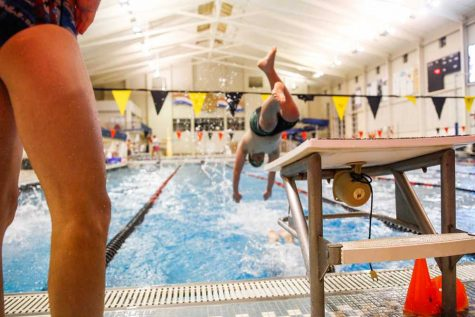 [Photo Gallery] 9-3 Varsity Boys Swimming vs. FZS