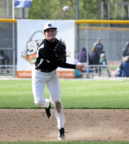 4-30 V Baseball vs. FHC [Photo Gallery]