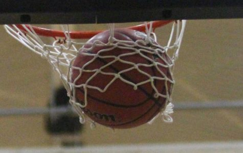 Boys Basketball Plays Tight Game vs. FHH