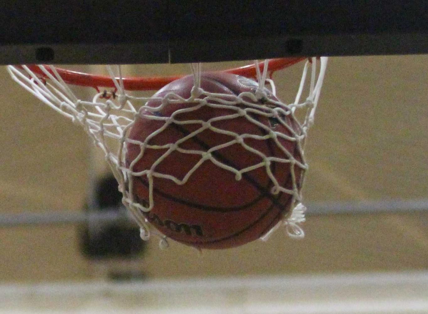 Boys Basketball Plays Tight Game vs. FHH