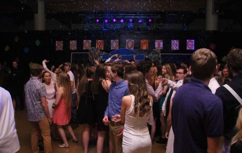 2-6 Snowcoming Dance [Photo Gallery]