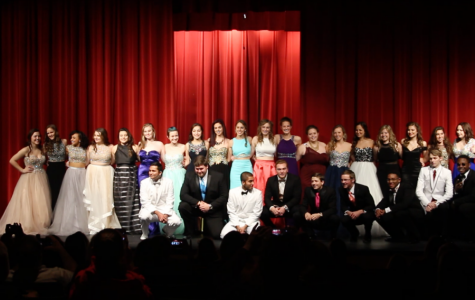 Upperclassman Perform at the 2016 Prom Fashion Show
