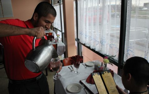 Sohail Jchaj Works at His Family's Restaurant [Photo Story]