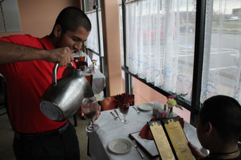 Sohail Jchaj Works at His Family's Restaurant [Photo Story]
