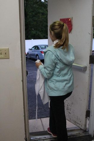 """Dagenais takes off her apron and leaves the building when her shift is over. """"I really enjoy working here because it is really easy and I like my coworkers,"""" Dagenais said. """"I also get good hours which is really nice."""""""