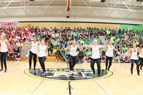 HC Pep Assembly 2016 – Studline/Knightline Performance [Video]