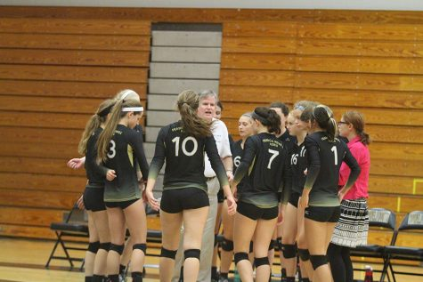 Lady Knights Volleyball Team Cheers Before Game [Video]