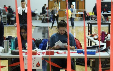 1-27 FHN Students Donate Blood [Photo Gallery]