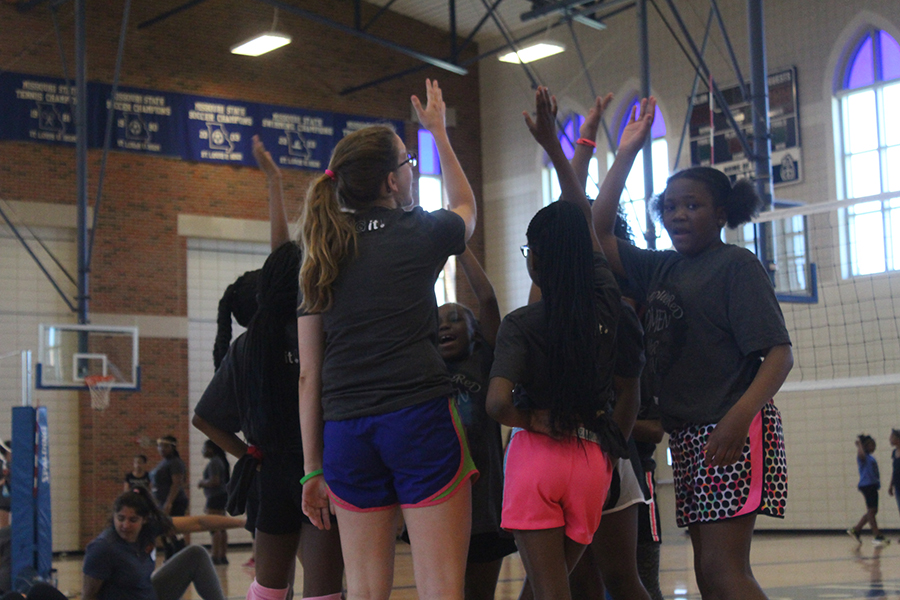 Dig It! Volleyball Inc. Helps Teach Young Girls in St. Louis