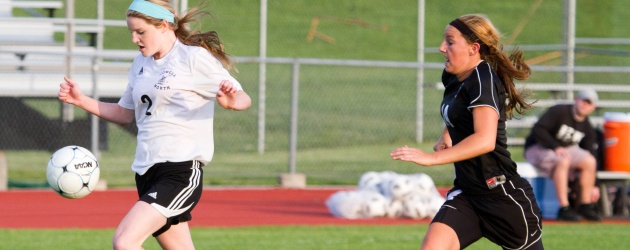 Sectional victory spurs Varsity Girls Soccer to quarterfinals