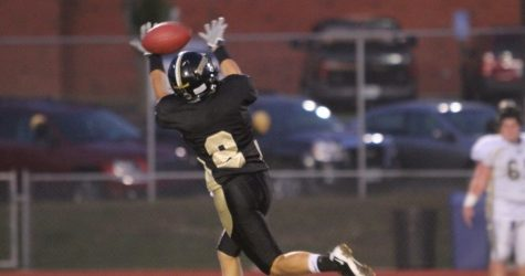 [Photo Gallery] 9-23 V. Football Homecoming game vs Oakville