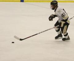 Varsity Hockey shuts out Duchesne for 6th win