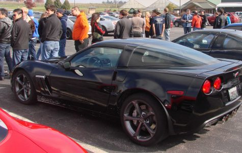 Car enthusiasts meet at Gateway Car Club