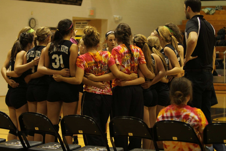 9-19 Varsity Volleyball [Photo Gallery]