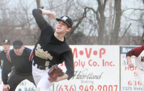 Varsity Baseball Team Competes in Midwest Classic