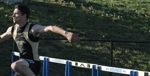 Schwab breaks 300 Intermediate Hurdle record