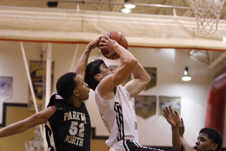 Boys+Basketball+Prepares+for+First+Home+Game+vs+Ritenour