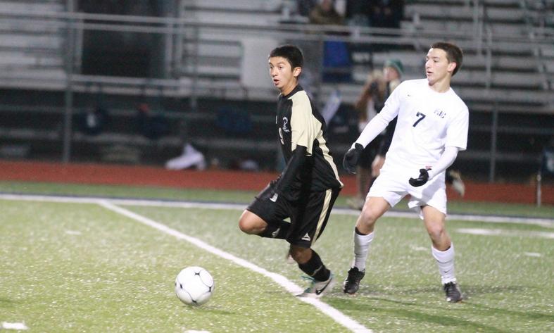 [Photo Gallery] 11-12 V Soccer Vs. Central