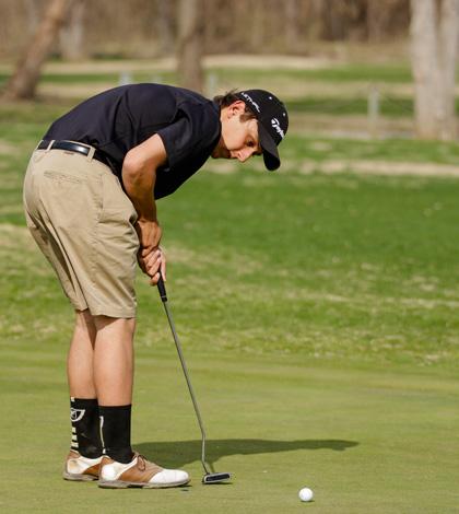 4-10 V Boys Golf vs. FHC [Photo Gallery]