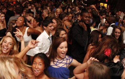 Student dance and have fun at homecoming.