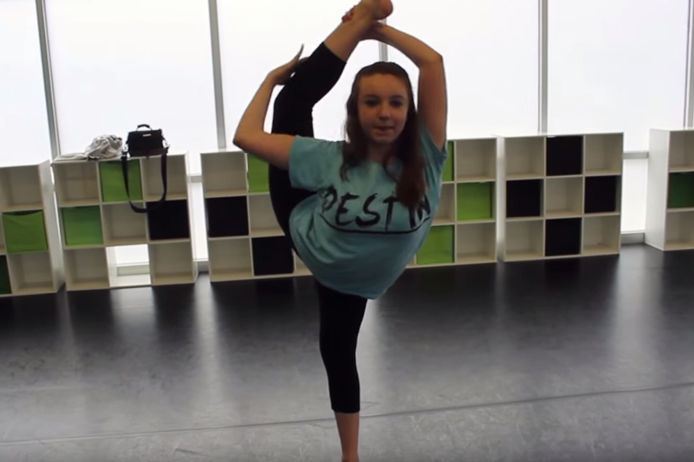 Taylor the Contortionist [video]