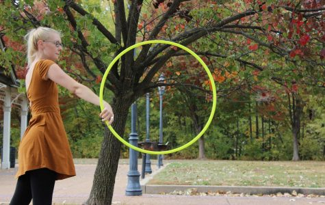 Lizzie Fletcher Hooping [Photo Story]