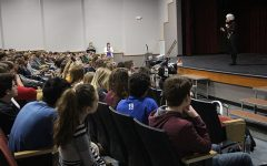 Holocaust Survivor Talks to Sophomores About Experiences