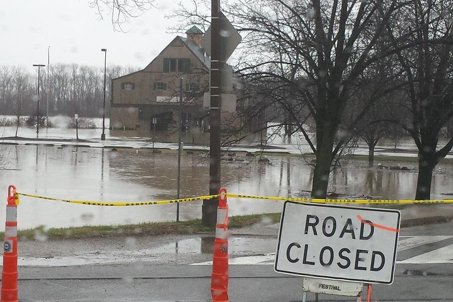 Flooding+in+St.+Charles+Affects+FHN+Students+and+Faculty
