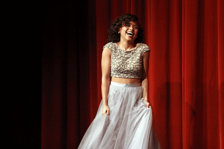 2-17 Prom Fashion Show [Photo Gallery]