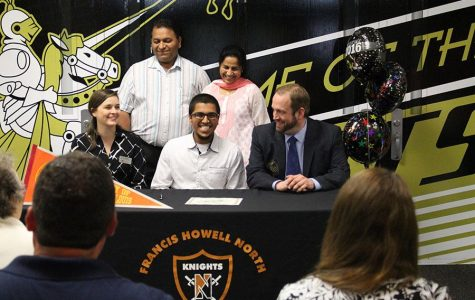 4-26 Academic Signing and College Fair [Photo Gallery]