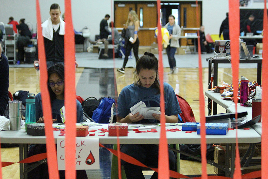 Senior Samantha Donaldson works as a HOSA coordinator for the annual blood drive. This year, the blood drive was the largest to be hosted by an STL-area high school.