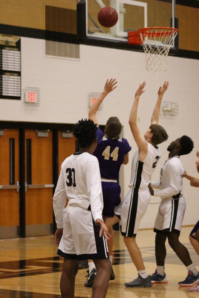 1-10 JV Boys Basketball vs Troy [Photo Gallery]