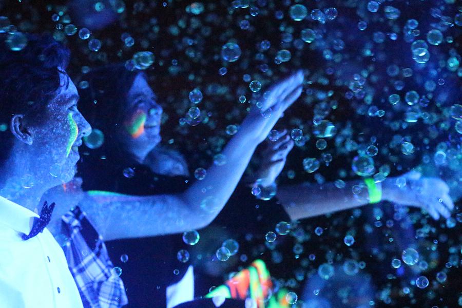 2%2F11+Snowcoming+Dance+%5BPhoto+Gallery%5D