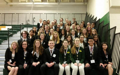 Everyone from HOSA who attended State, posed for a picture.