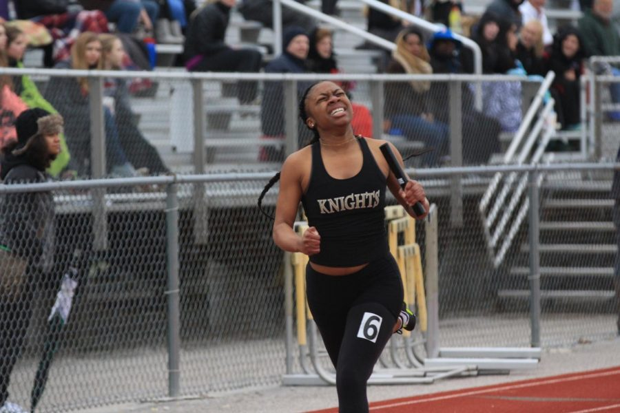 Howell North sprinter competes on FHNs track.