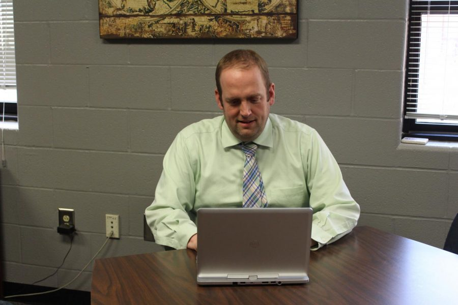 Head principal Andy Downs works on his computer in the office. After the end of this school year, Downs will become an assistant principal at FHC. Downs has been the head principal at FHN since the 2013-14 school year.