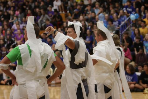 FHN Holds Annual Homecoming Pep Assembly