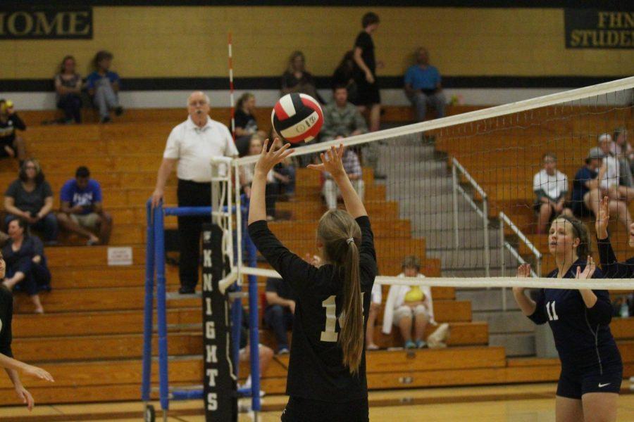 9-11 JV Girls Volleyball vs Holt [Photo Gallery]
