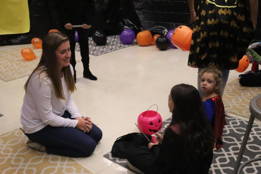 StuCo Prepares for Trick or Treat Street