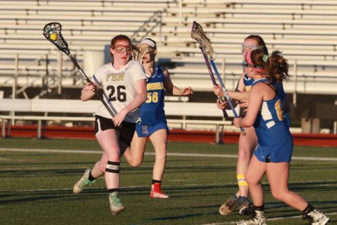 Senior Briana Schmidt Prepares to Continue Lacrosse Career in College