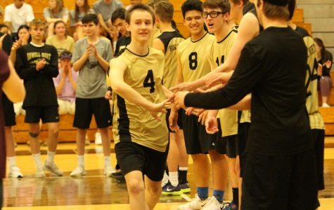 Freshman Zach Zimmerman Makes Varsity Volleyball