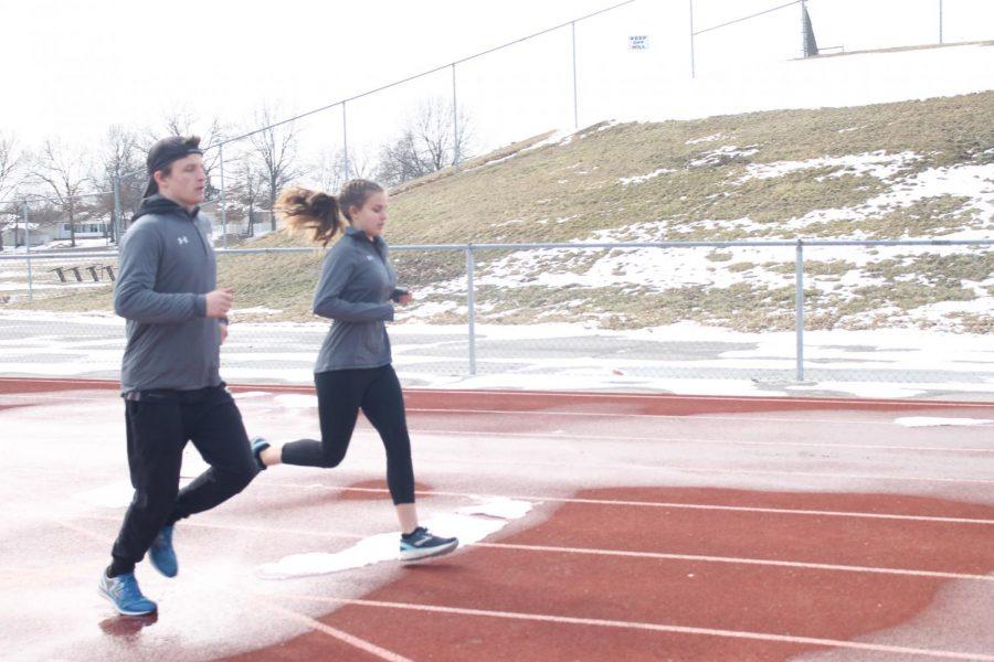 Siblings+Peyton+and+Grace+Hebert+Run+Track+Together