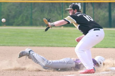 Baseball Finishes Season with High Hopes