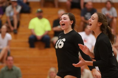 9-12 JV Girls Volleyball vs FZW [Photo Gallery]