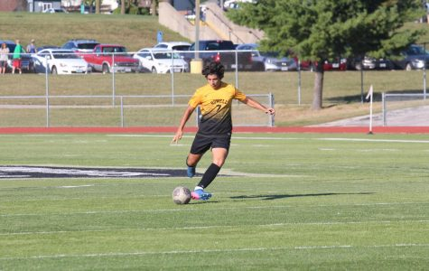 10-8 JV Boys Soccer vs Holt HS [Photo Gallery]