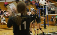 Sisters Courtney and Brianna Wortman Play on Volleyball Team Together