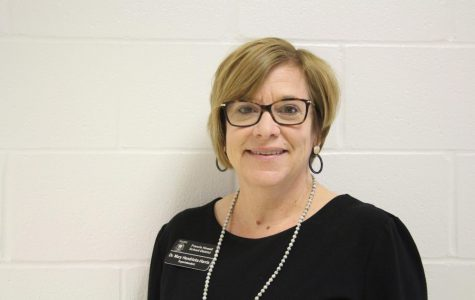 Superintendent Mary Hendricks-Harris Plans to Retire