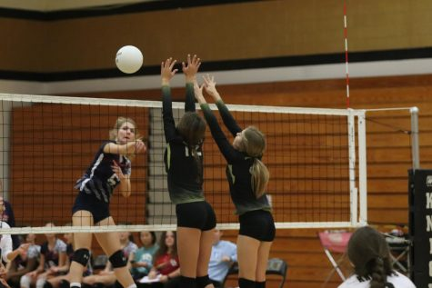Girls Volleyball Players Reflect on the End Their of Season With a 14-15 Record